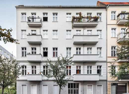 Bezugsfreie Altbauwohnung mit Balkon