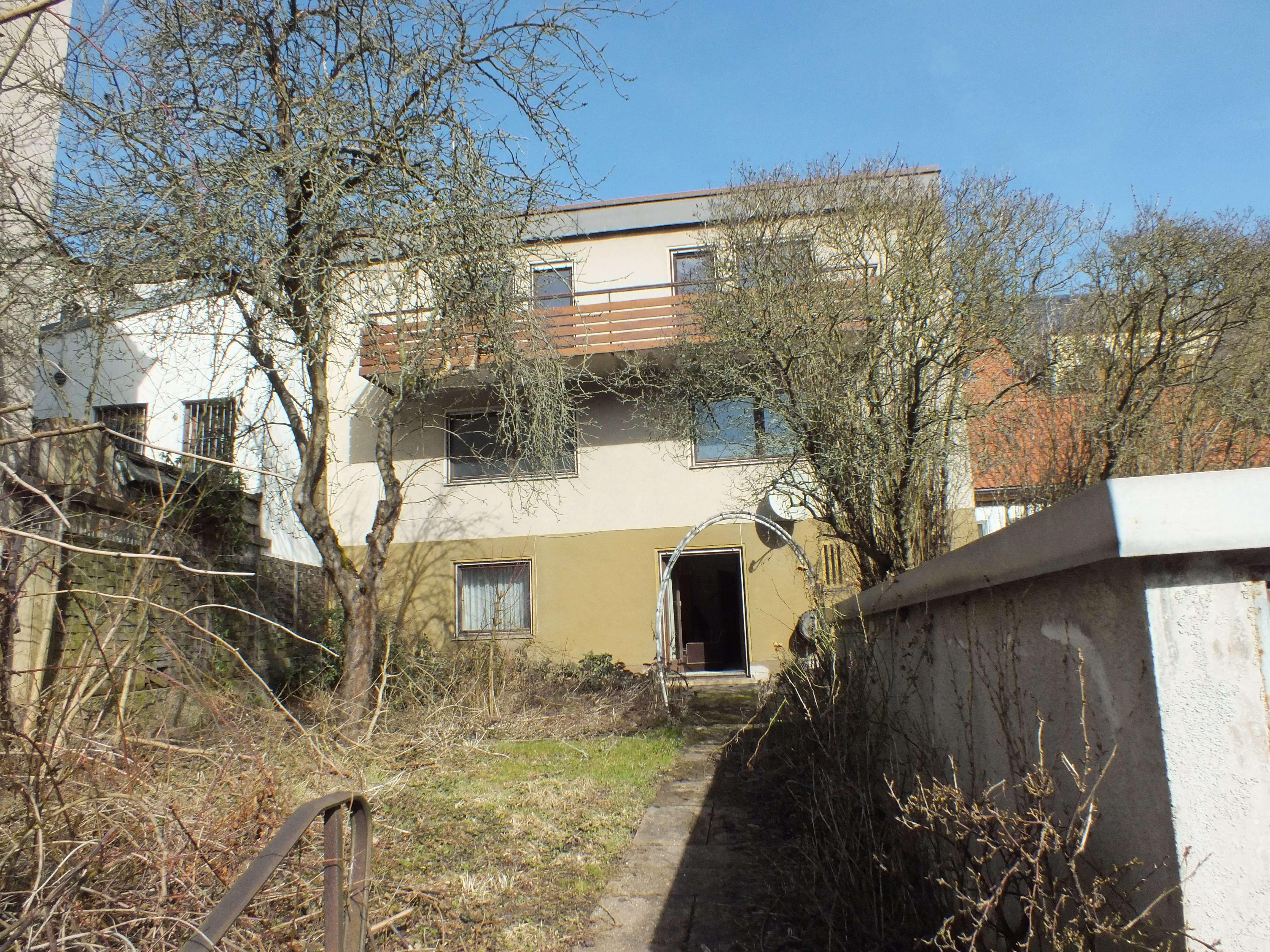 Marktredwitz / Stadtmitte 3 Zimmer Wohnung mit ca.105 qm Wfl und Balkon, zur Miete