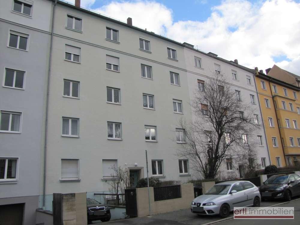 SUPER SCHÖNE 3-Zi-Altbauwohnung in zentraler Citylage! in