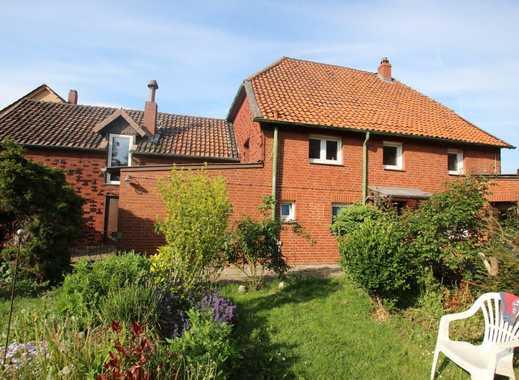 Gemütliches Fachwerkhaus mit großem Garten sucht neue Familie!
