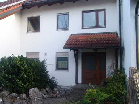 Gepflegte 3-Zimmer-Wohnung mit Balkon in 82229 Seefeld in Seefeld (Starnberg)