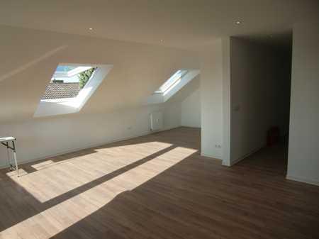 Schöne 3-Zimmer Dachgeschosswohnung mit 2 Balkonen in Alzenau/Hörstein in Alzenau