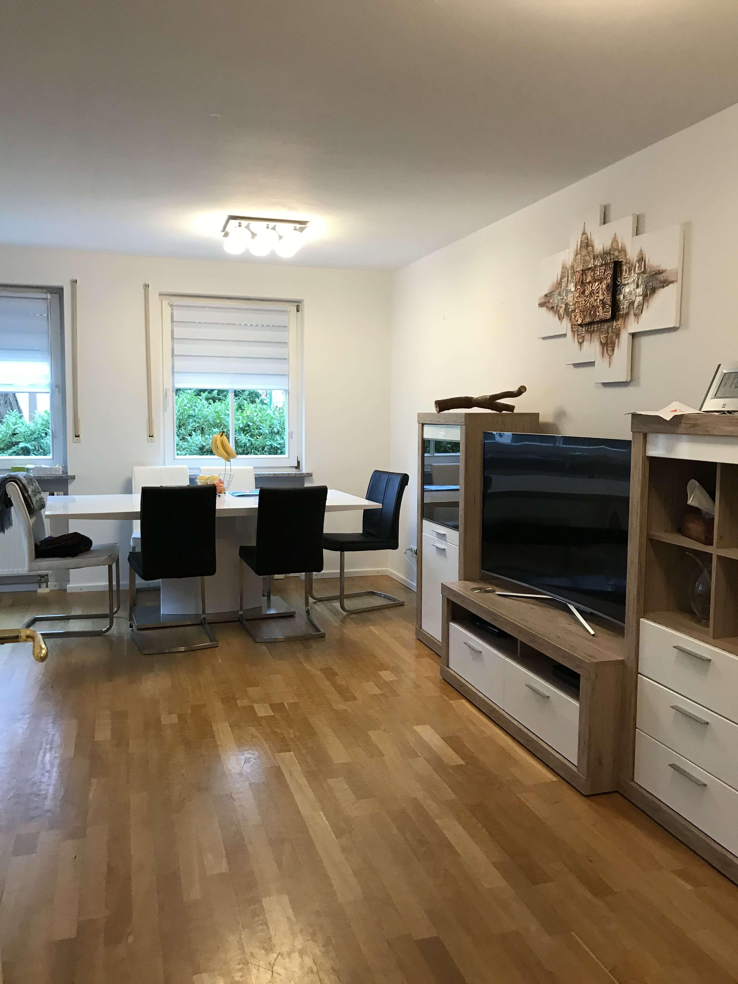Traumhafte Dreizimmerwohnung mit Garten und Souterrain in München/ Waldperlach in Perlach (München)