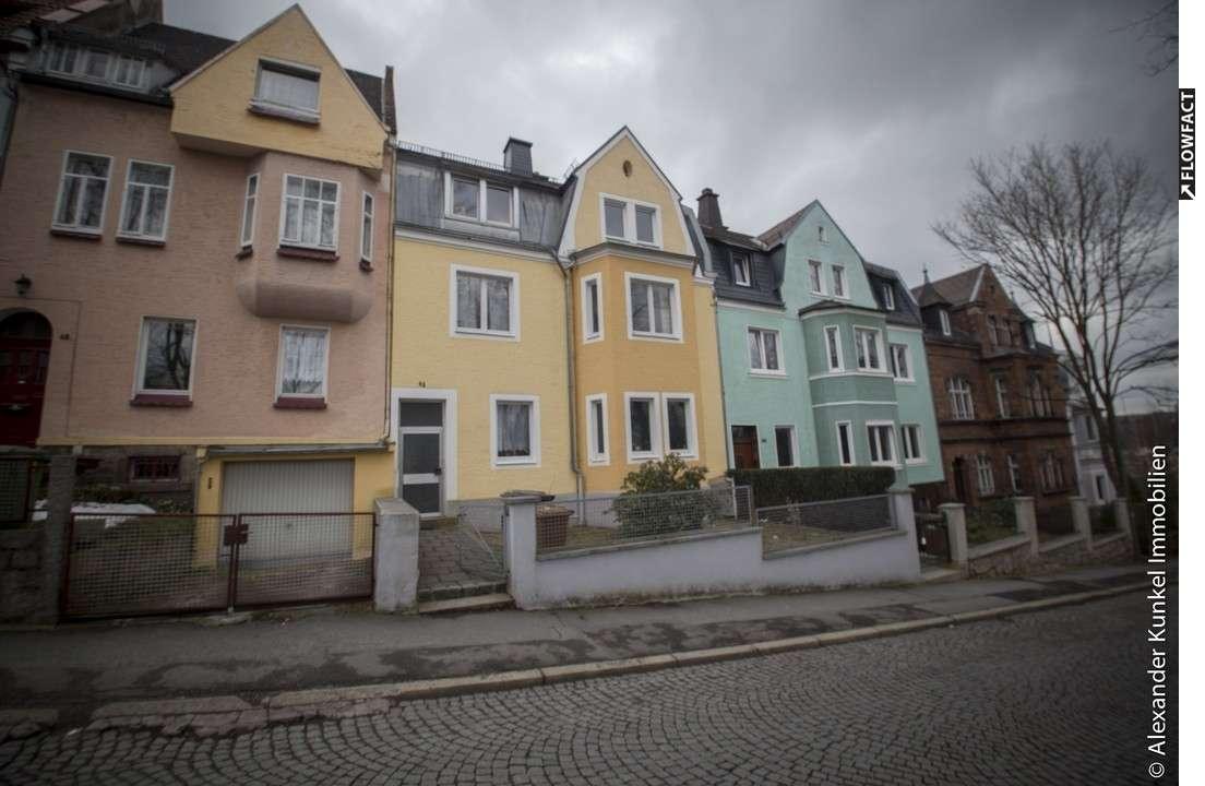 Renovierte 3-Zi.-Wohnung im 1. Obergeschoss in Münchberg