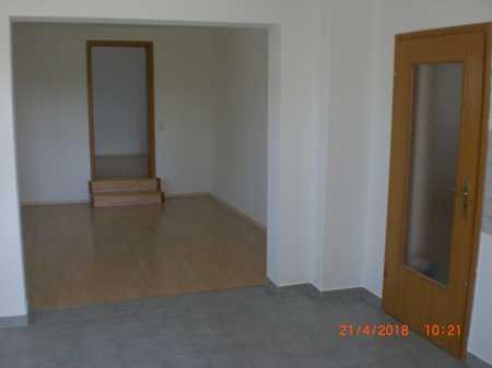 helle und freundliche 2,5-Zimmer-Wohnung in Maxhütte-Haidhof in Maxhütte-Haidhof