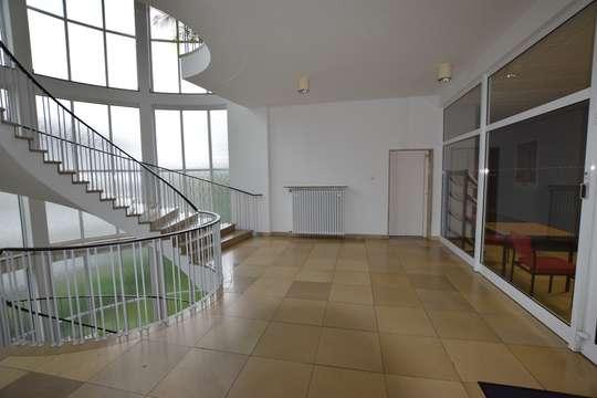 Treppenhaus/Aufzug