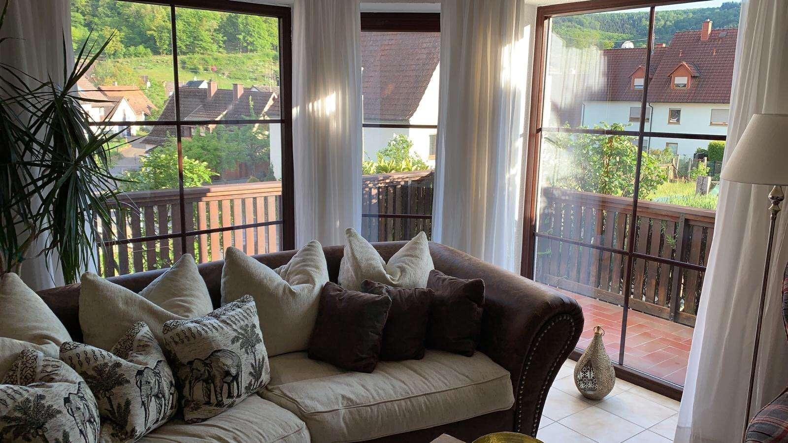 Attraktive 2-Raum-Wohnung mit EBK und Balkon in Laufach in