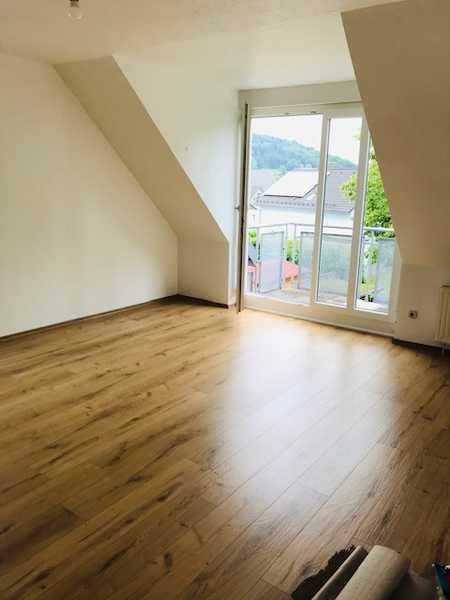Top moderne Wohnung für Paar oder Single - alles neu ! Nahe Regensburg ! in Saal an der Donau