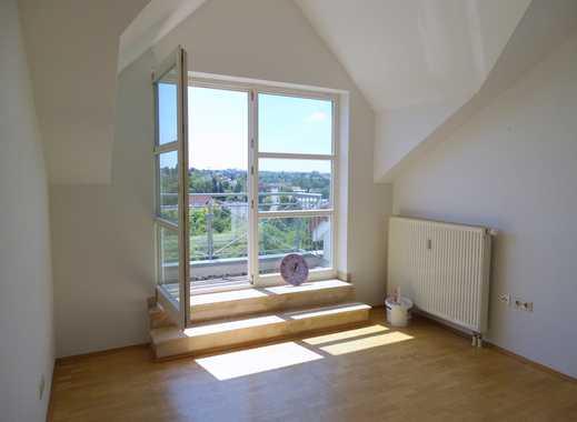***Ausgefallene Wohnung mit hohen Decken und fantastischem Fernblick!*** Bitte um Emailanfragen!
