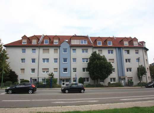 Frisch renovierte 2,5 Raum Wohnung!