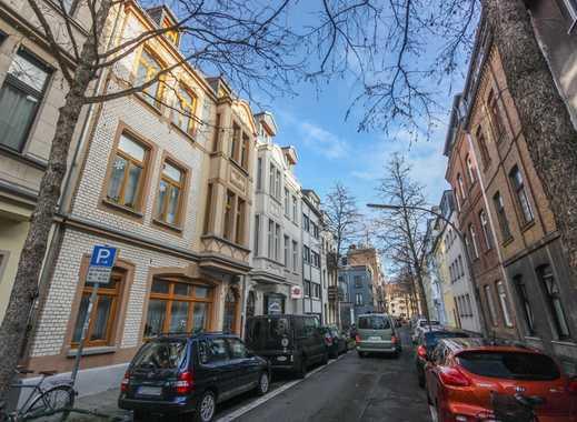 REUTER IMMOBILIEN Dreizimmer-Altbauwohnung in schöner Wohnlage in Nippes / Grenze Agnesviertel