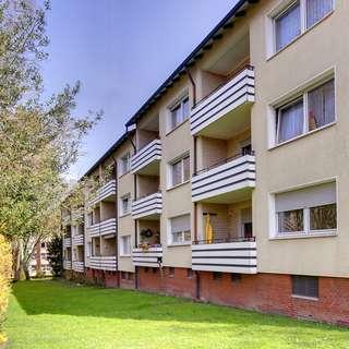 Erdgeschosswohnung mit Balkon in ruhiger Lage!