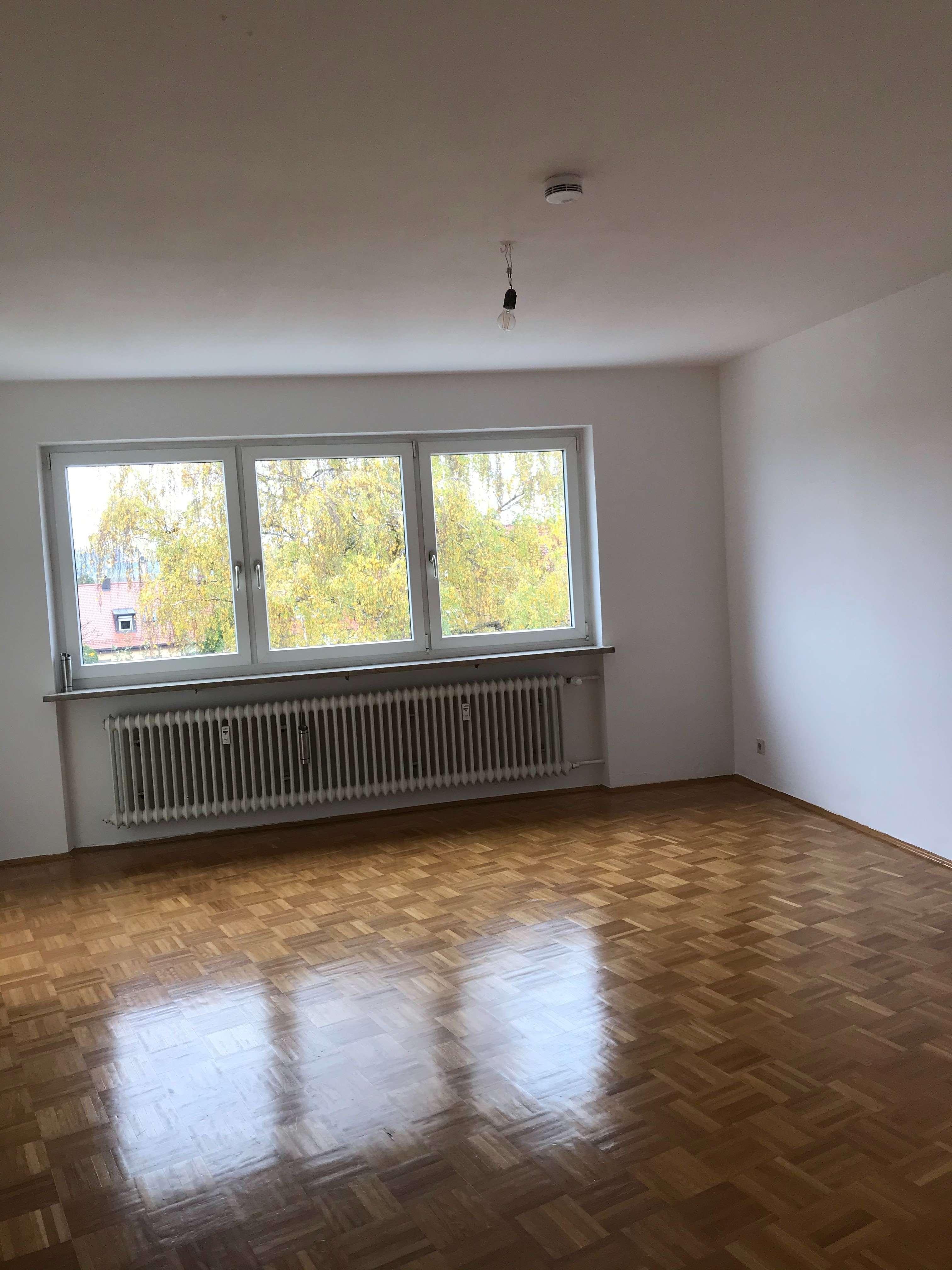 *Helle 3 Zimmer Wohnung mit Balkon und Stellplatz* in Kumpfmühl-Ziegetsdorf-Neuprüll (Regensburg)