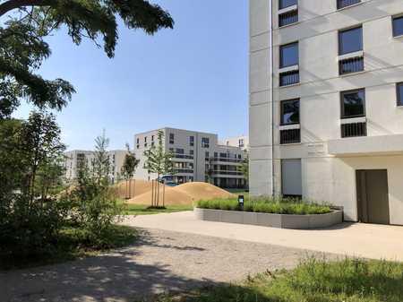 Erstbezug: Helle 3-Zimmer-Wohnung mit EBK und Balkon in absolut ruhiger Lage in Trudering (München)