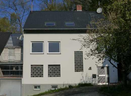 Sanierte 3-Zimmer-Erdgeschosswohnung mit Balkon und EBK in Saarbrücken