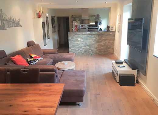 Wohnen Sie mit viel Platz in diesem charmanten,  Licht durchfluteten Einfamilienhaus in Neuss!!!