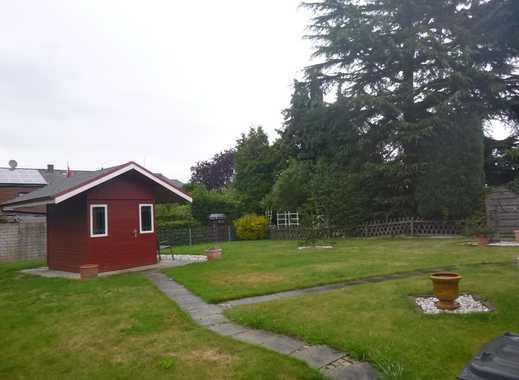 Willkommen in ihrem neuen Zuhause, 1-2 Familienhaus in einer ruhigen Lage…