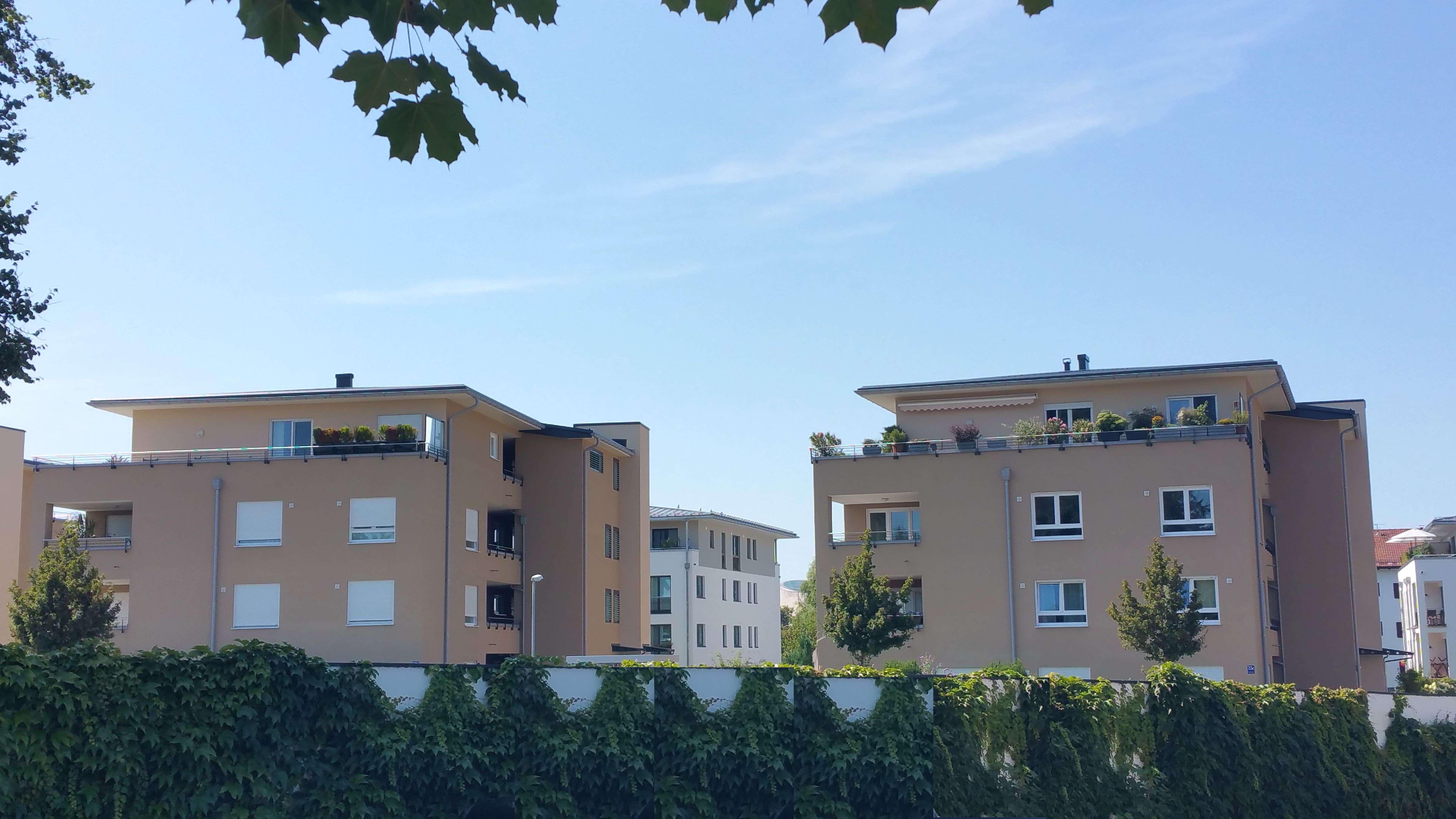 Holzkirchen-Zentrum : Moderne 2 ZKB, 1.OG, 72m², Lift, Süd/West-Balkon, EBK, TG, zum 15.01.2020 in Holzkirchen (Miesbach)