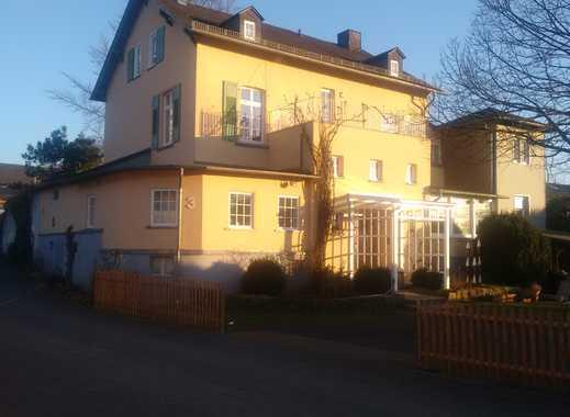 Charmante, sanierte 2,5-Zimmer-Altbauwohnung mit Balkon in Runkel-Ennerich