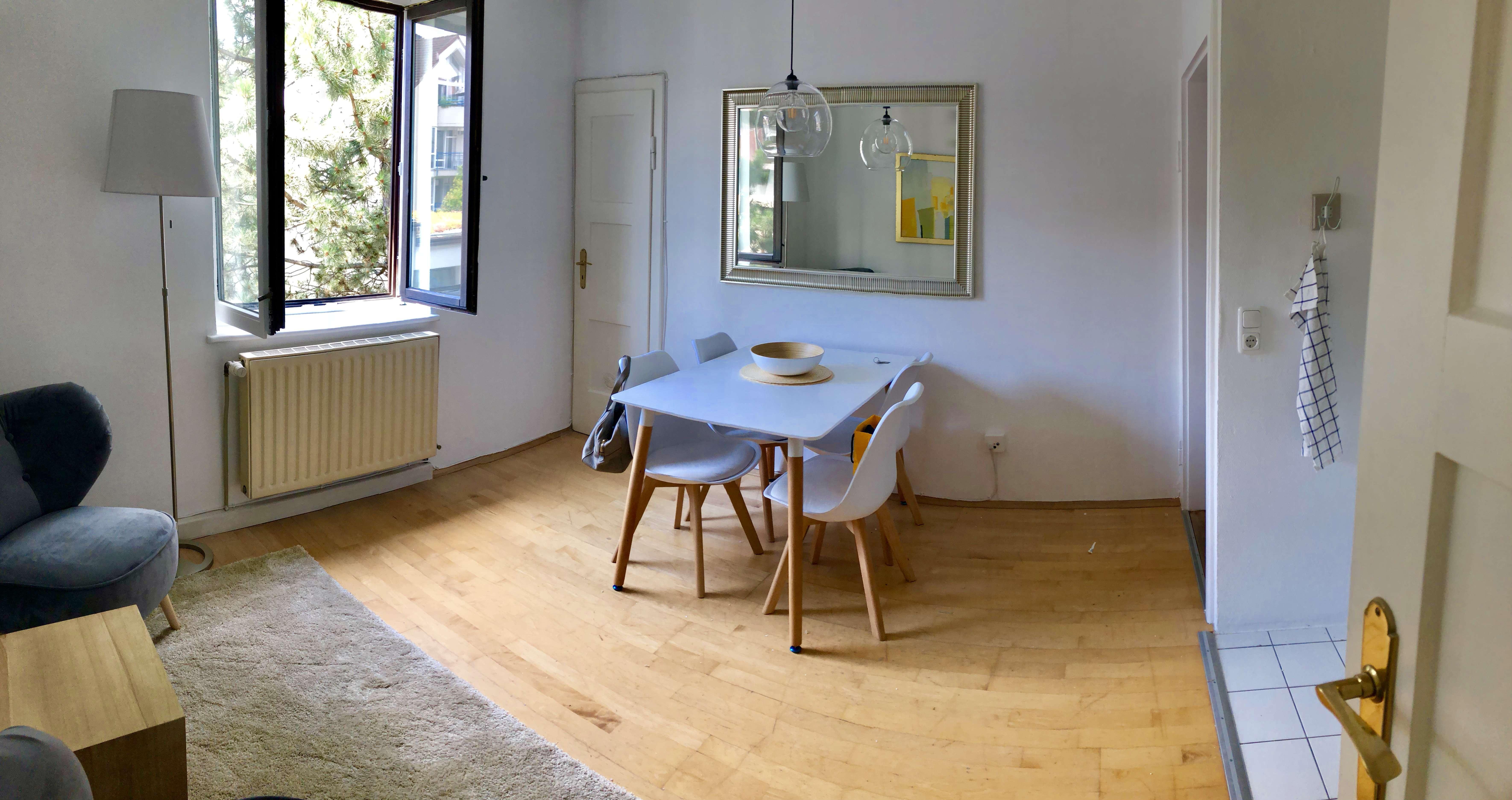MÖBLIERTE stilvolle, neuwertige 2-Zimmer-Wohnung mit Einbauküche in Lehel, München in Lehel (München)