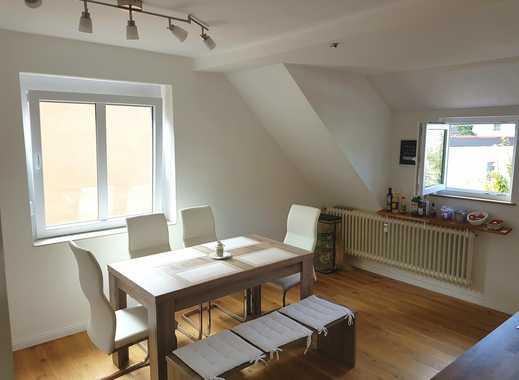 Schönes Wg Zimmer zur Zwischenmiete in heller, renovierter Wohnung zu vergeben