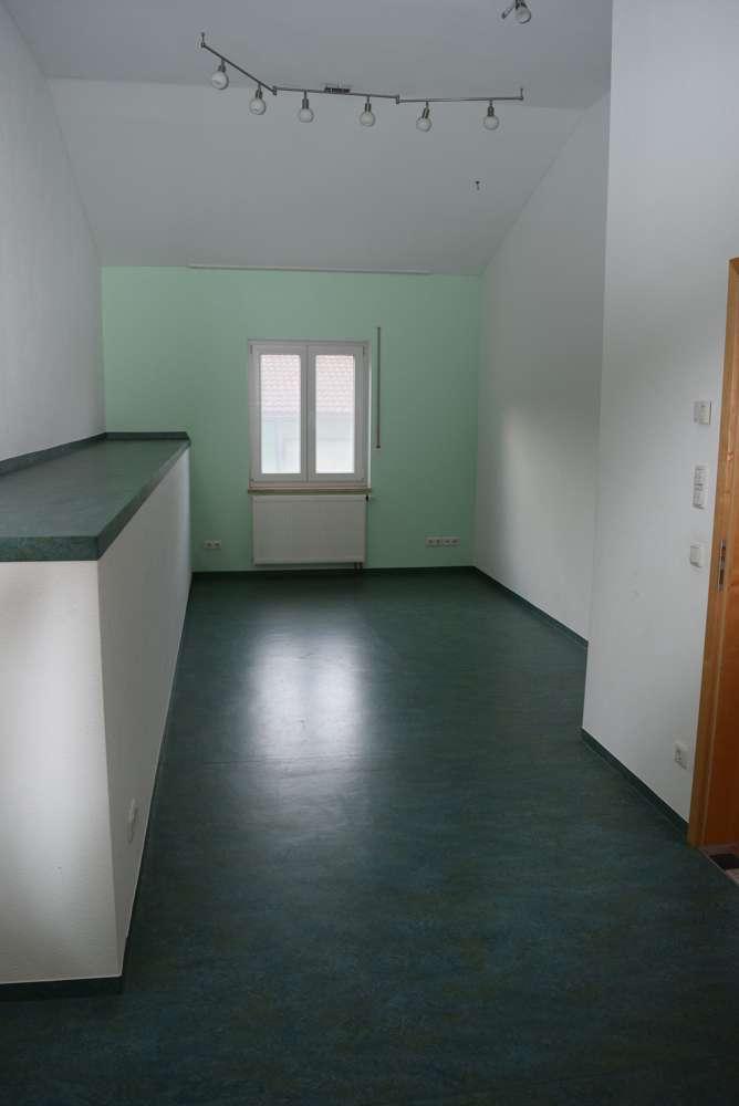Sehr geräumige 4-Zimmerwohnung auf zwei Ebenen in Hallbergmoos! in Hallbergmoos