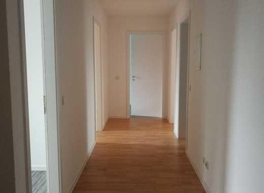 Frisch sanierte, helle 4-Zimmerwohnung direkt am Bahnhof Neuenhagen!