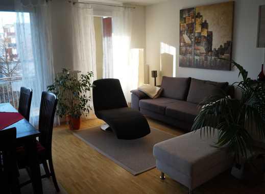 Möbliertes 13qm Zimmer in schöner, heller Wohnung in Unterföhring