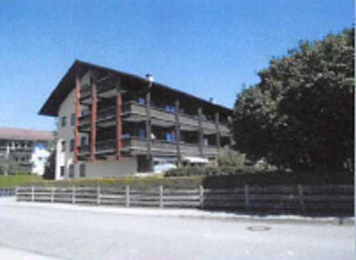 Grosse, gepflegte 2-Zimmer-DG Whg mit EBK in Kolbermoor, leichte Dachschrägen, grosses Dachfenster