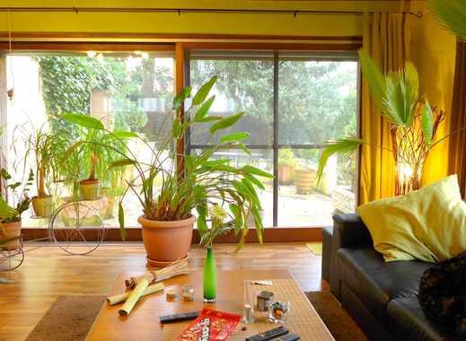 zentrale Lage - 5 Zimmer-Endreihenhaus mit Doppelgarage und schönen Garten