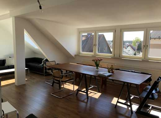 Stilvoll sanierte 3-Zimmer-DG-Wohnung mit EBK in Frankfurt am Main / Schwanheim