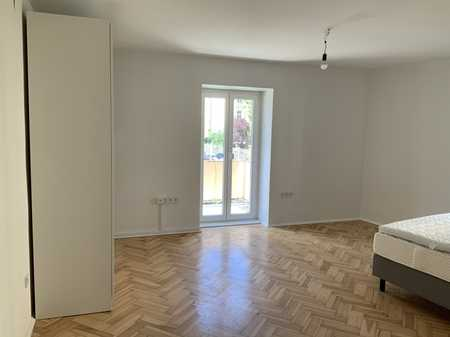 helle Altbauwohnung in bester Lage geeignet für Studenten oder Business WG (Neugründung) in Schwabing-West (München)
