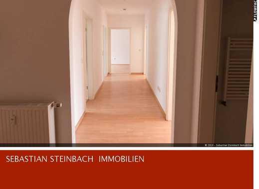 **Helle Dachgeschosswohnung in Gohlis-Süd + EBK + WG-geeignet**