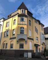 Schöne 4 Zimmer Altbau-Wohnung in