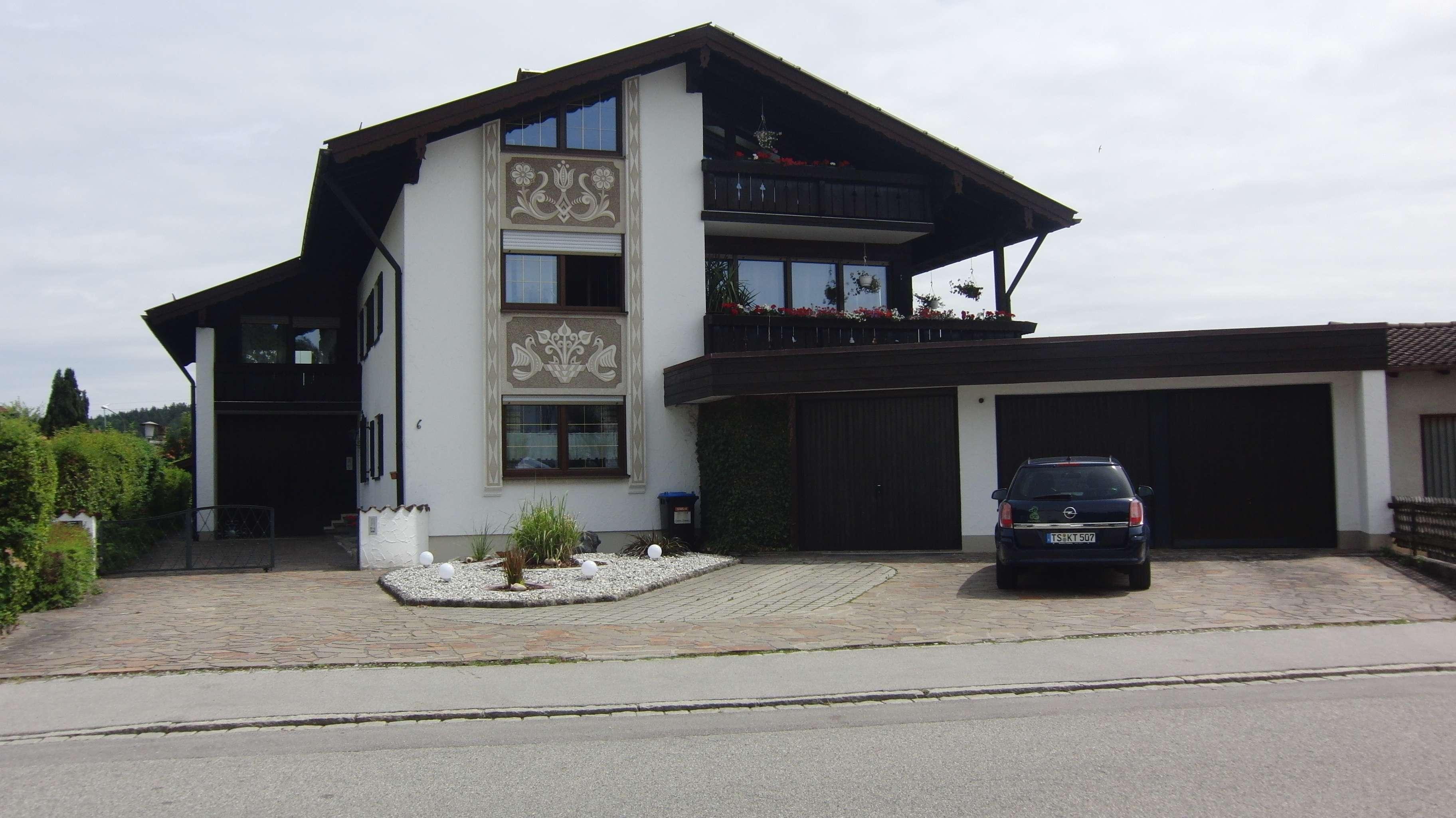 Gepflegte 4-Zimmer-Wohnung mit Balkon und EBK in Altenmarkt