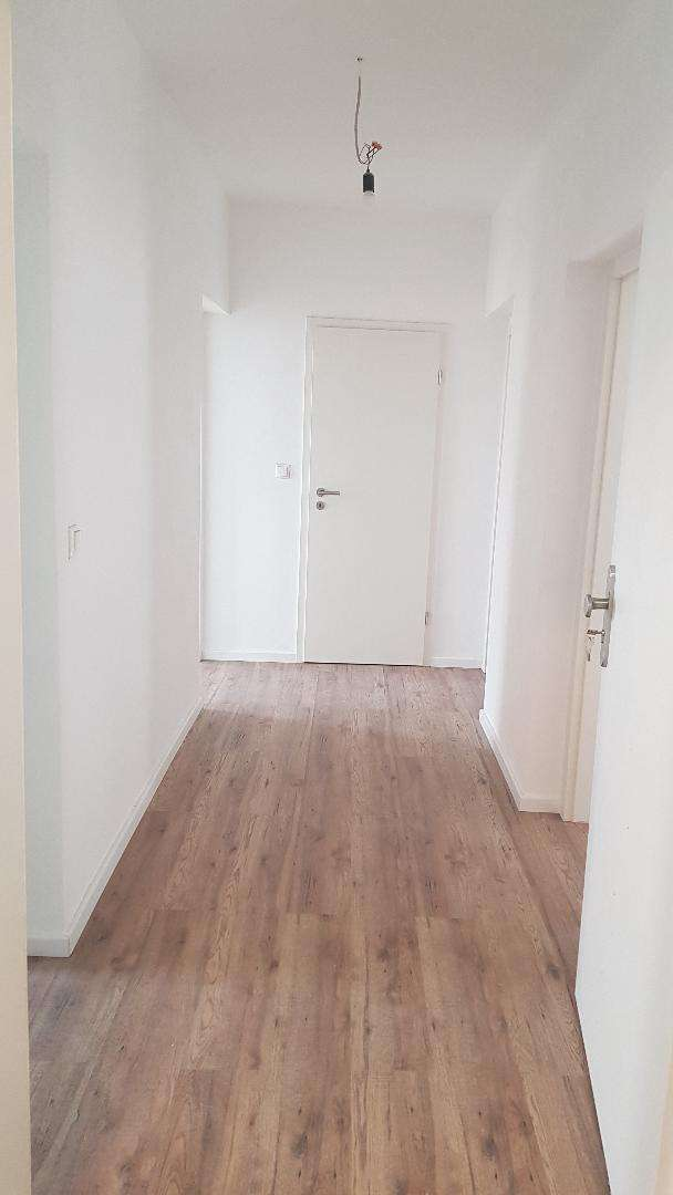 freundliche 2-Zimmer-Wohnung 60qm ab sofort zu vermieten. in