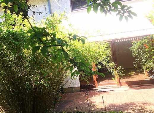 Wunderschönes Reihenmittelhaus mit Blick ins Grüne und idyllischem Garten auf der Frankenhöhe