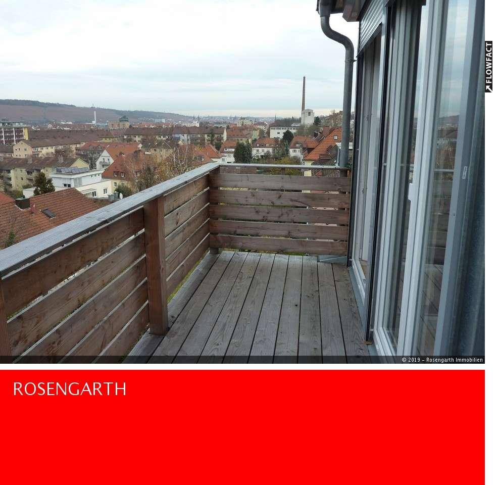Schöne 2,5 Zimmer Dach- Wohnung in traumhafter Lage in Zellerau (Würzburg)