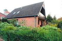 Wohnhaus mit Garage - Zentraler und