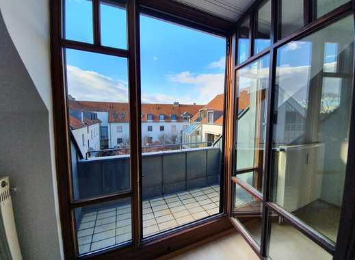 Helle 1-Zimmer-Wohnung mit Westbalkon