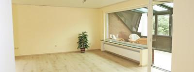 Sehr schöne 3 Zimmer-Wohnung mit EBK, Südloggia und Garage in B.O.-Werste