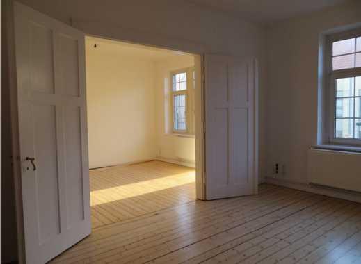 Helle, elegante und top-sanierte 4-Zimmer Altbauwohnung im Zentrum von Bückeburg