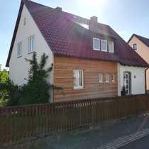 Schönes geräumiges Haus mit Garten