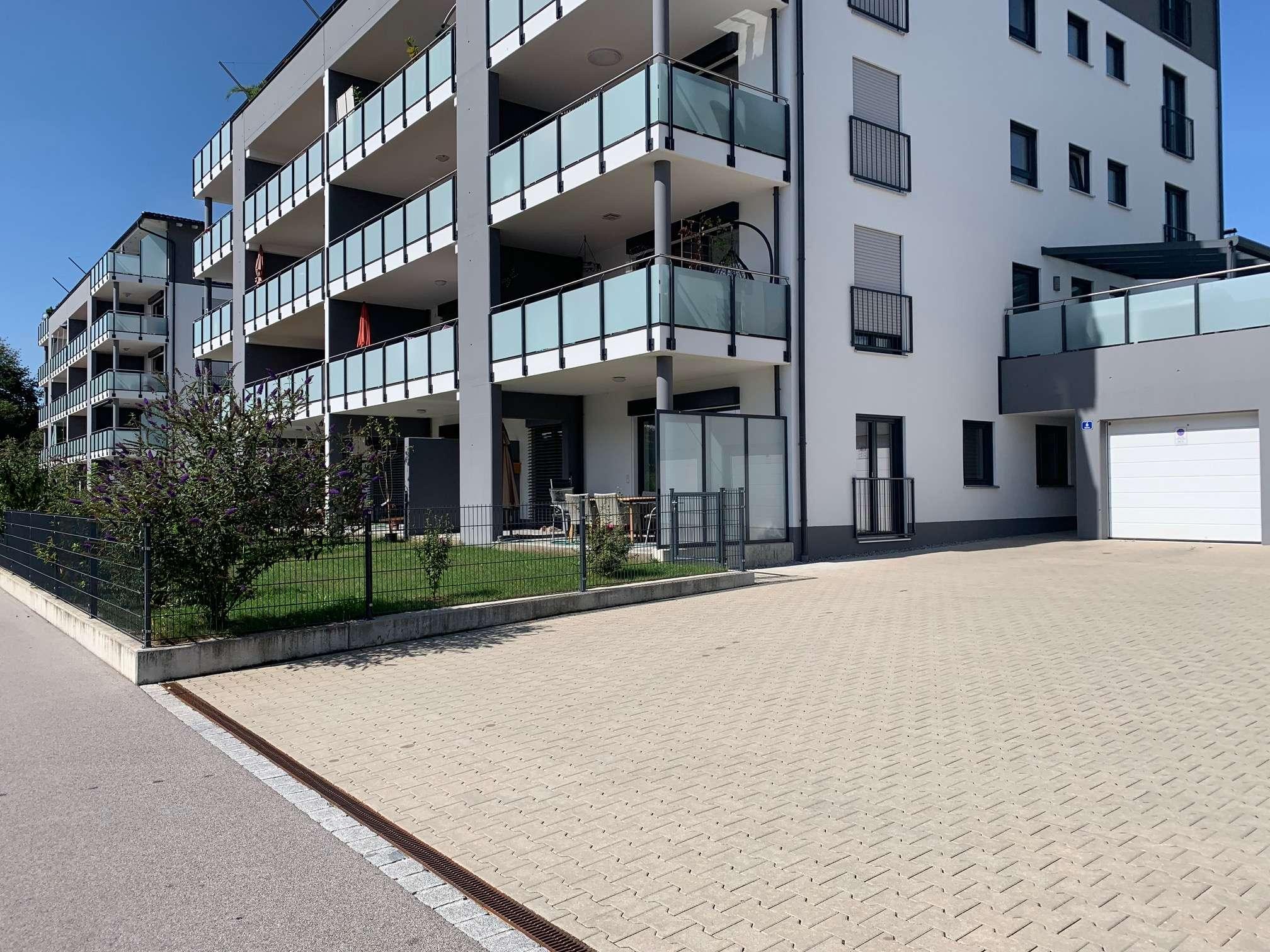 Neuwertige 2,5-Zimmer-Erdgeschosswohnung mit Terrasse und Garten in Simbach am Inn in Simbach am Inn