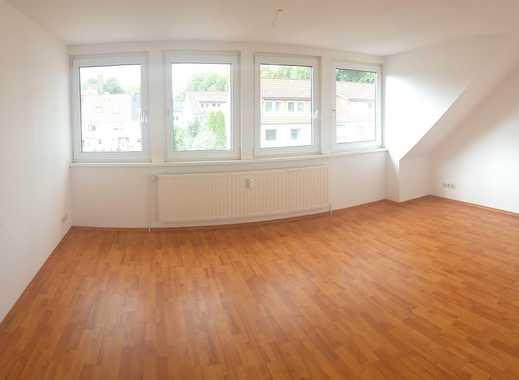 Hip Hip Hurra - schöne 3-Zimmer-Dachgeschoss-Wohnung mit Küche