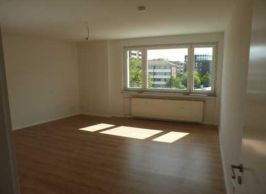 Modernisierte & renovierte  3,5 (4) Zimmer-Wohnung mit EBK in 28195