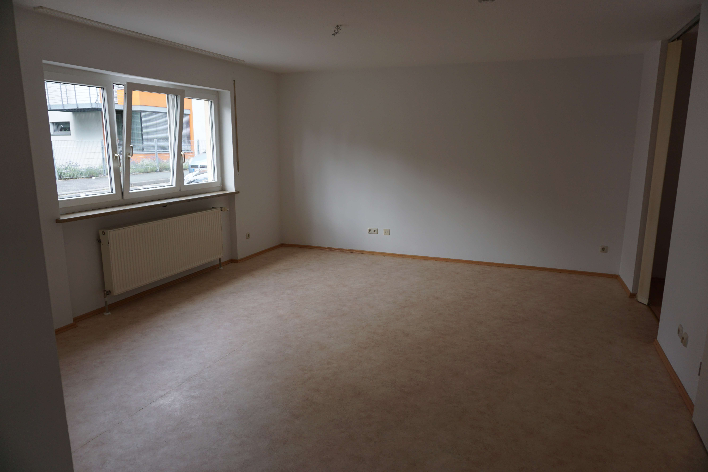 Modernisierte 1,5-Zimmer-EG-Wohnung mit Einbauküche in Coburg in Coburg-Zentrum (Coburg)