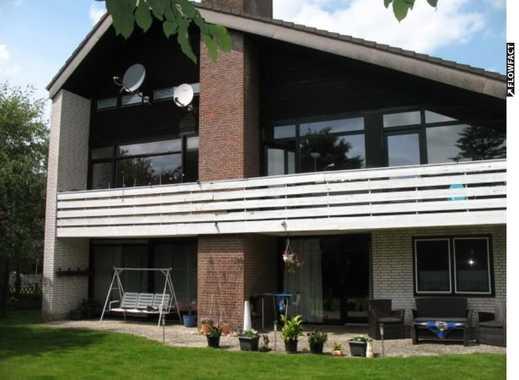 *Uetze-OT* großzügige EG-Wohnung mit EBK, Garten u. Garage
