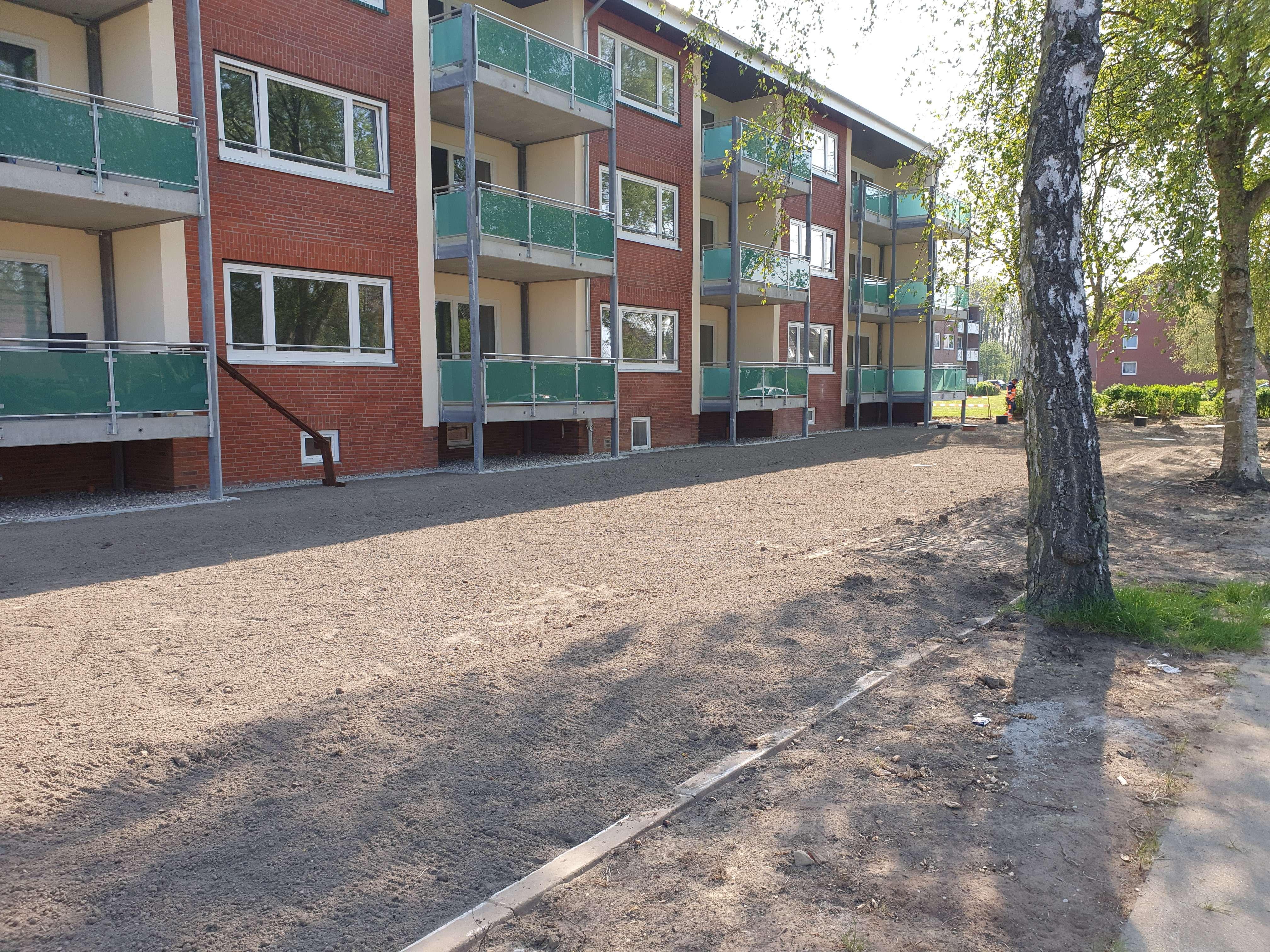 Großzügige modernisierte 2 Zimmer-Wohnung