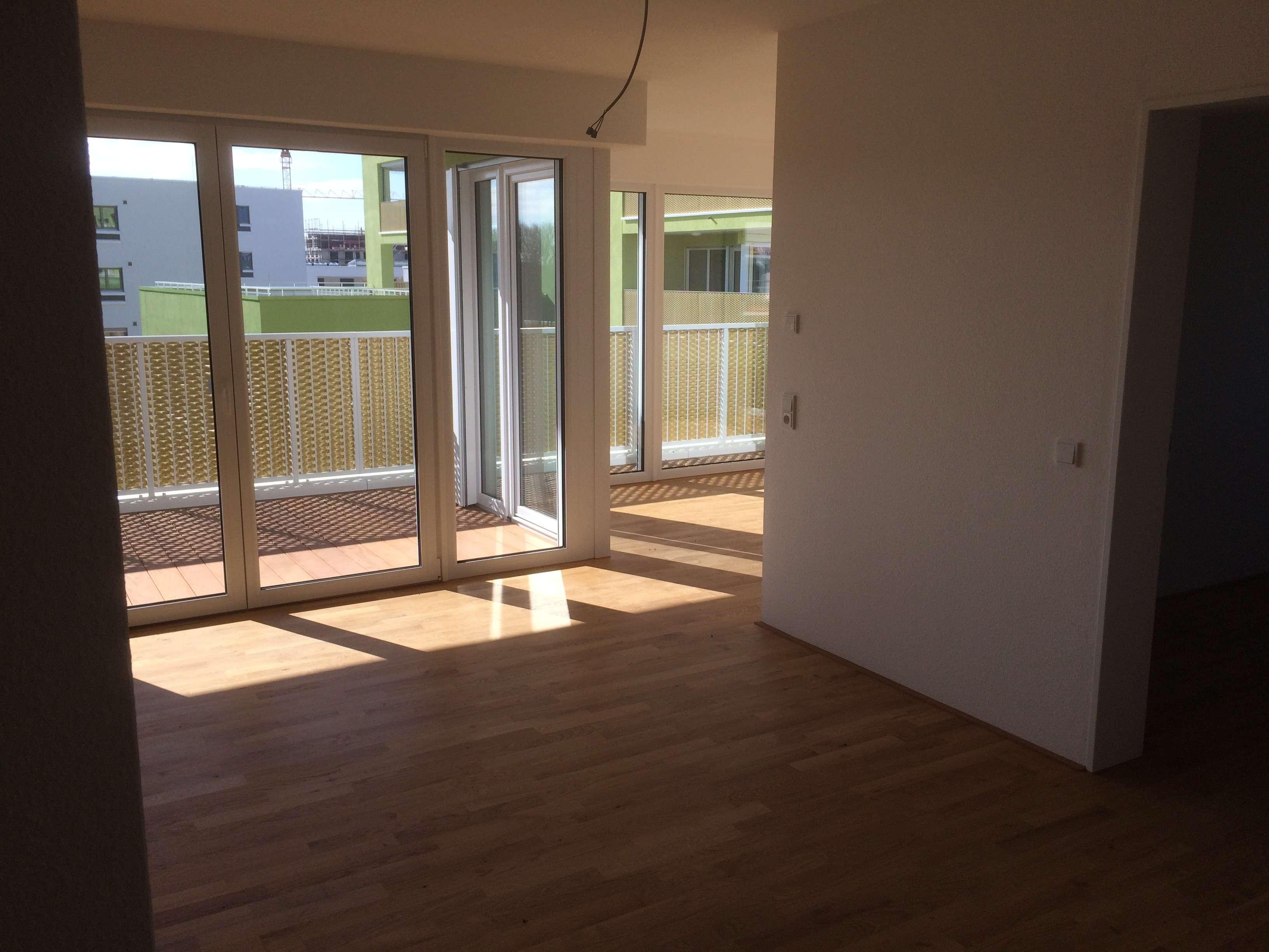 Sehr schöne 4-Zimmer-Wohnung mit Balkon und Marken-EBK in Neu-Ulm
